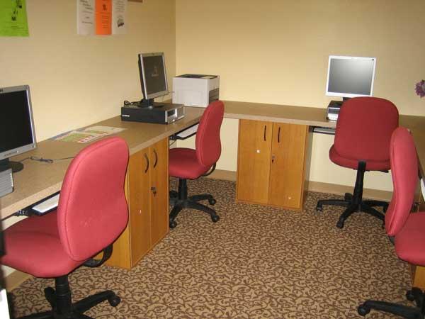 Cortina D'Arroyo Grande Computer Room